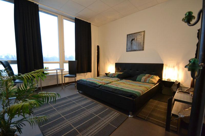 zimmer arena hostel hamburg. Black Bedroom Furniture Sets. Home Design Ideas